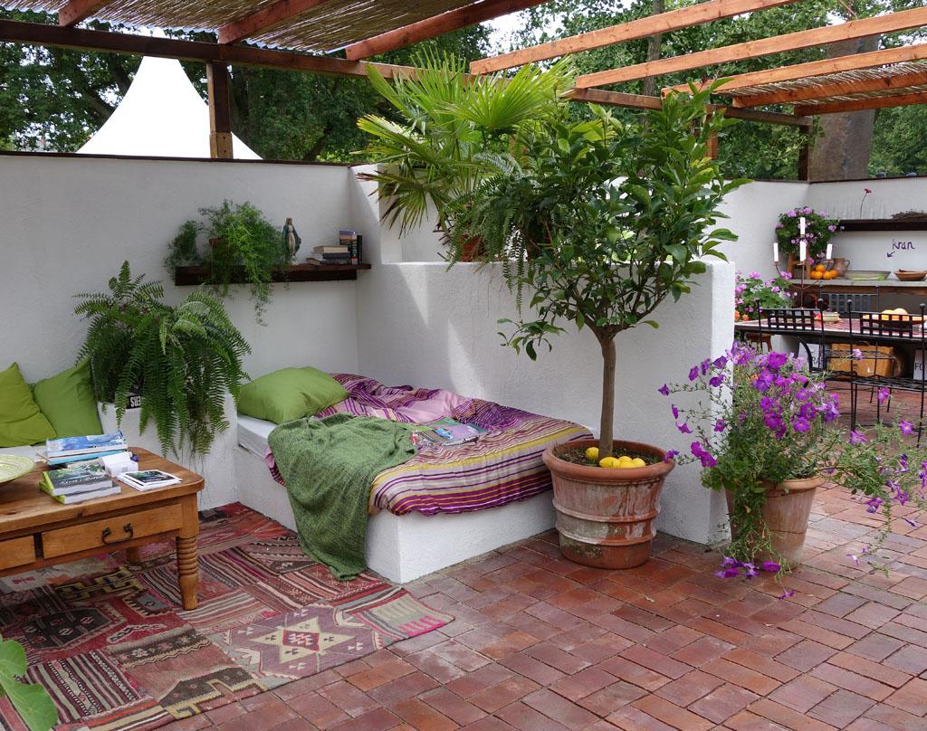 i Trädgården - uteplats i en medelhavsträdgård, Apotekarens trädgård, Peter Englund