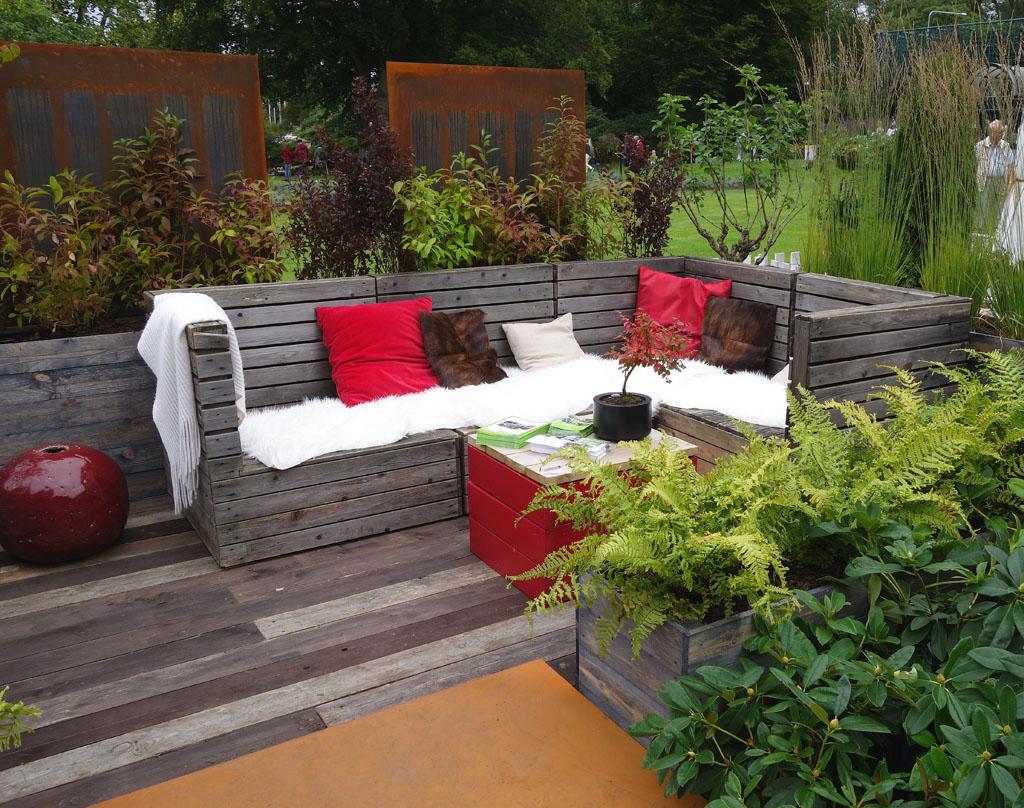 i Trädgården - soffa av trätrall, möbler