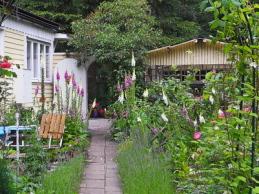 i trädgården- Christinas trädgård, Ålstorp, www.itradgarden.se
